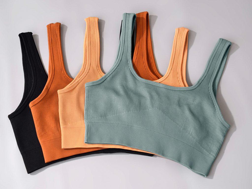 cameltoe-in-yoga-pants-solution-seamless-yogawear