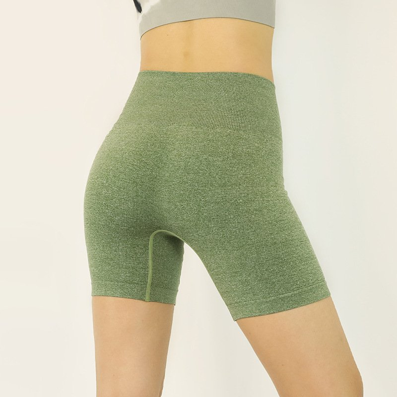 seamless-yoga-pants-with-no-cameltoe-in-yoga-pants